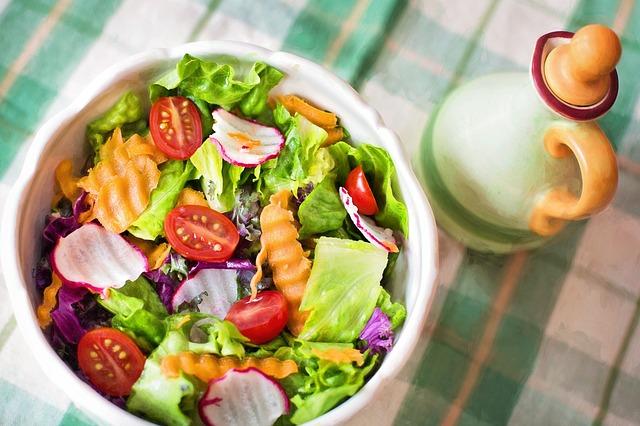 frische Sommersalate